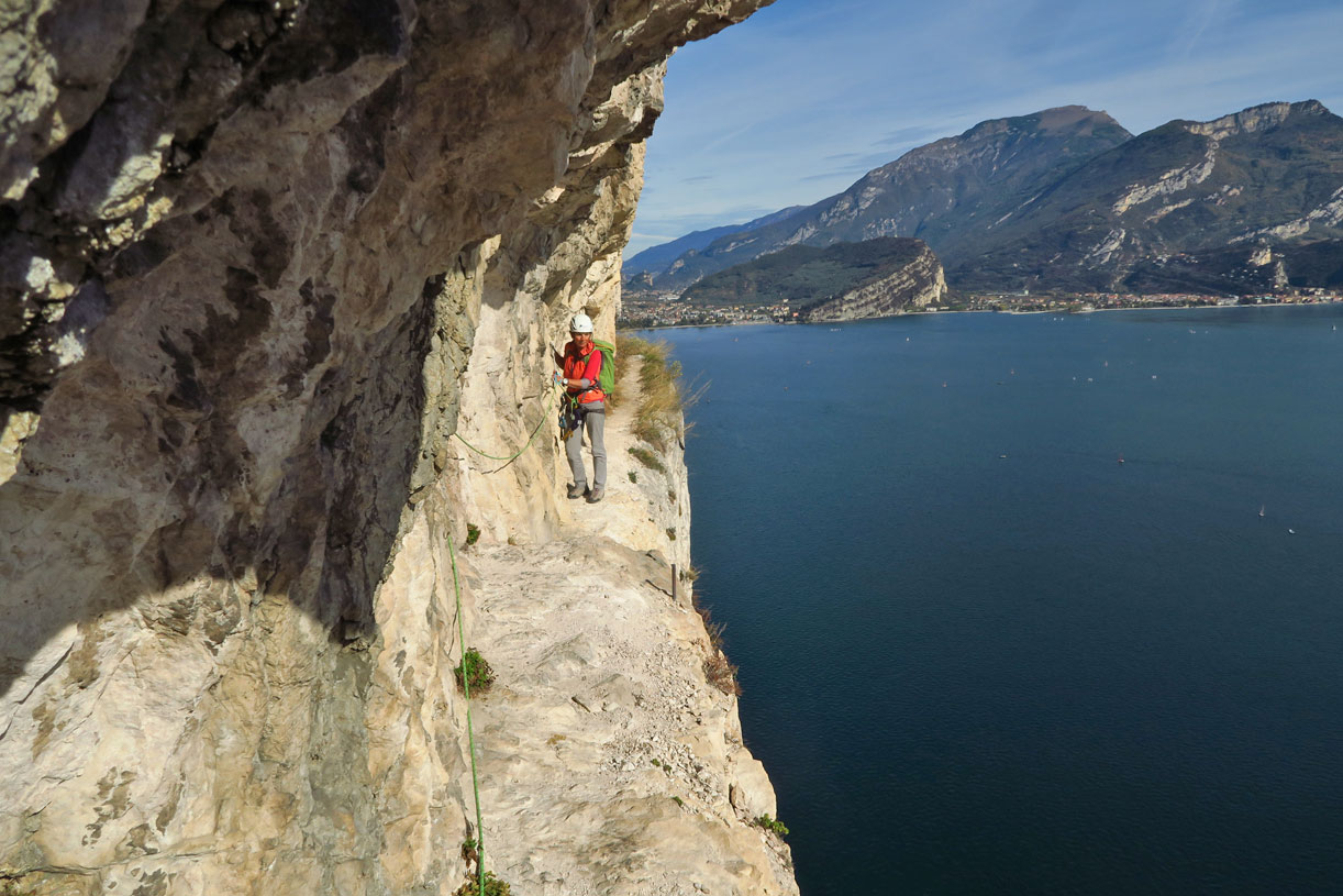 Klettersteigset Verleih Arco : Klettersteige am gardasee arco